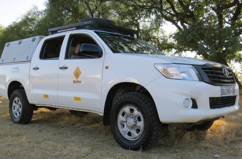 Toyota Hilux Double Cab 4×4 (zonder kampeeruitrusting)